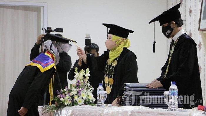 STIE Bank BPD Jateng Luluskan 191 Mahasiswa Sarjana dan Magister