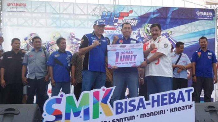 Final di Sirkuit Mijen, Yamaha Donasikan 17 Sepeda Motor ke SMK di Jawa Tengah