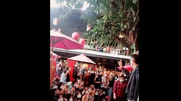 Dampak Kerumunan Jumpa Fans ViensBoys Artis TikTok Asal Solo, Restoran I-Club Ditutup