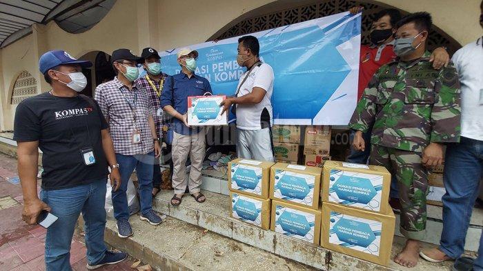 Pengungsi Banjir di Pekalongan, Terima Bantuan dari Dana Kemanusiaan Kompas