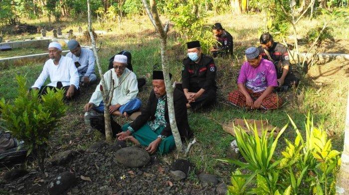 Haul HOS Tjokroaminoto, Warga Banjarnegara Ziarahi Makam Tokoh Sarekat Islam