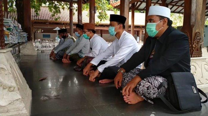 Ziarahi Empat Makam Wali Warnai Dies Natalis Ke-51 UIN Walisongo Semarang
