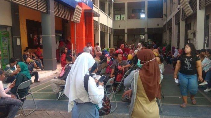 Gadis Surabaya Ini Dua Hari Menangis Karena Terancam Gagal Masuk Sekolah Negeri