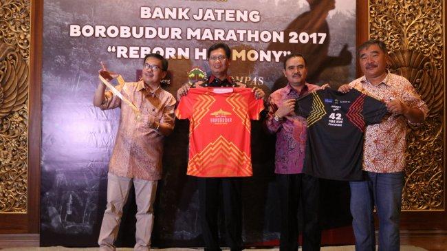 bank-jateng-borobudur-marathon-2017-galla-diner-di-plataran-hotel-borobudur_20170917_080310.jpg