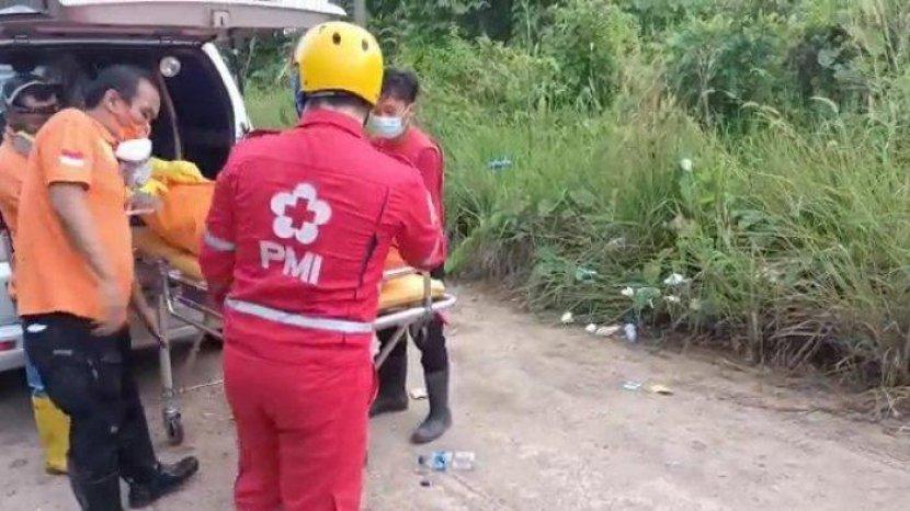 suasana-proses-evakuasi-korban-di-lokasi-penemuan-jasad-korban.jpg
