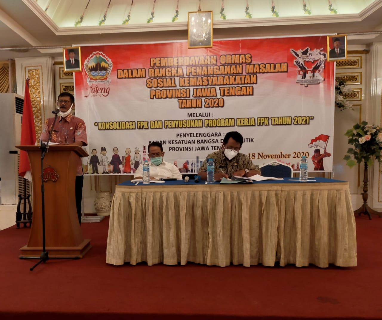 Kegiatan Pemberdayaan Ormas dalam Rangka Penanganan Masalah Sosial Kemasyarakatan yang diselenggarakan Kesbangpol Jateng di Solo, Rabu (18/11/2020).