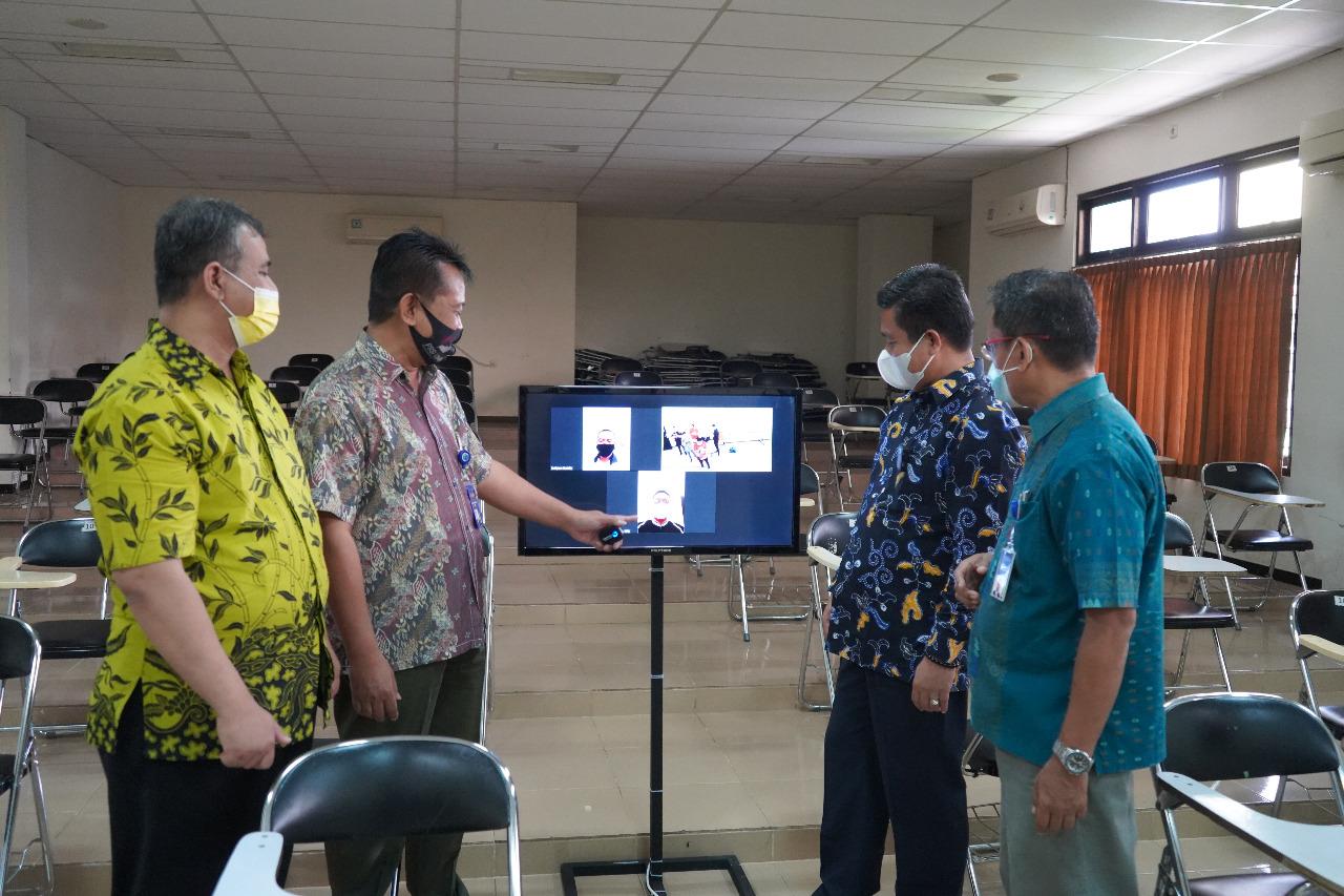Perkuliahan secara hibrida yang menggabungkan pembelajaran tatap muka dan daring secara bersamaan di Universitas Muhammadiyah Purwokerto (UMP)