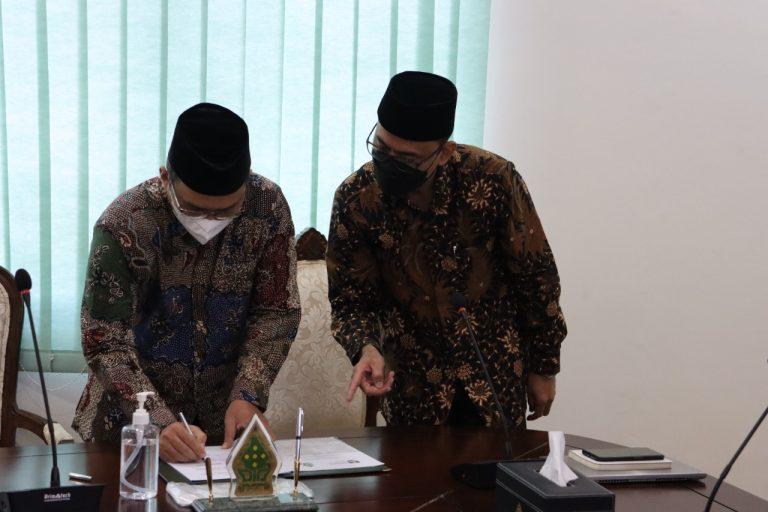 Seremoni penandatanganan kerjasama UIN Walisongo Semarang dengan UiTM, Rabu (30/6/2021).