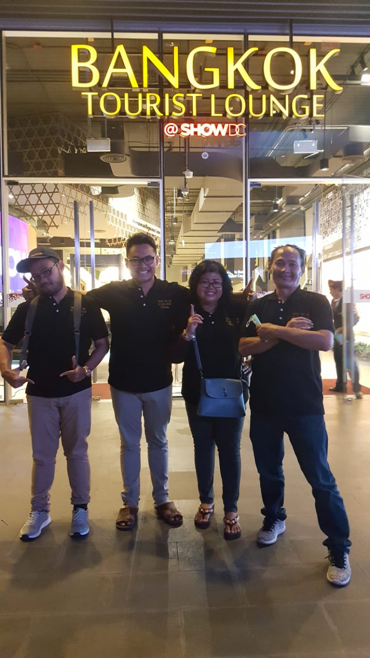 YB Suryowandaru, Siti Romlah, Andrea Suryajaya,Sndi Muharom Suryajaya. (dari kanan ke kiri)