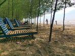 1-rindangnya-pohon-cemara-laut-di-pinggir-pantai-jodo-jumat-2742018_20180427_155348.jpg
