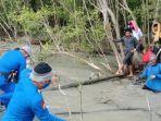 13-tki-ilegal-kelaparn-di-hutan-bakau.jpg