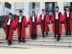 9-hakim-mahkamah-konstitusi-mk.jpg
