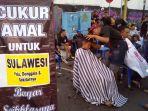 aksi-cukur-amal-untuk-korban-gempa-dan-tsunami-sulteng_20181007_172629.jpg