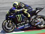 aksi-pembalap-monster-energy-yamaha-valentino-rossi-pada-hari-pertama-motogp-austria-2019.jpg