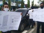 aksi-protes-warga-kedungtuban.jpg