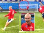 aksi-tendangan-voli-striker-timnas-norwegia-dan-borussia-dortmund.jpg