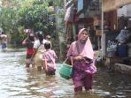 aktivitas-warga-terdampak-banjir-di-trimulyo.jpg