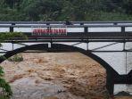 aliran-sungai-ciliwung-di-pos-pemantau-jembatan-panus-kota-depok-jawa-barat.jpg