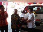 ambulans-gratis-dari-bei-untuk-lsm-hati-kita_20180608_175604.jpg