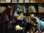 anak-anak-membaca-buku-bacaan-di-perpustakaan-rumahjpg.jpg