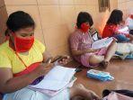 anak-anak-sedang-asyik-belajar-online-di-fasilitas-wify-gratis-yang-ada.jpg