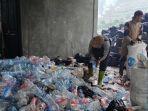 anggota-kpsm-tunggul-wulung-memilah-sampah-kamis-1062021.jpg