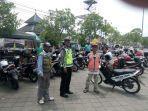 anggota-satlantas-polres-demak-melaksanakan-sosialisasi-keselamatan-berlalu-lintas.jpg