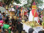 arak-arakan-gunungan-ketupat-dari-makam-sunan-muria-ke-taman-ria-colo-jumat-2262018_20180622_131602.jpg
