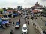 arus-lalu-lintas-di-sekitar-kawasan-pasar-wisata-dan-terminal-tawangmangu.jpg