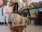 aryani-art-perajin-eceng-gondok-di-tuntang-kabupaten-semarang_20170924_121248.jpg