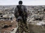 azad-cudi-seorang-pria-kurdi-iran-yang-menjadi-penembak-runduk-dan-berperang-melawan-isis-di-suriah.jpg