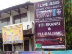 baliho-bertuliskan-i-love-jesus-because-jesus-is-moslem-terpasang-di-kota-cilacap.jpg