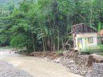 banjir-bandang-di-sungai-cidadali-dan-cihaur-di-kecamatan-bantarkawung-kabupaten-brebes_20161121_155610.jpg