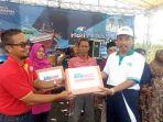 bantuan-kepad-nelayan-di-pantai-balongan-kragan-rembang_20180408_131434.jpg