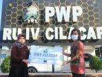 bantuan-spaket-sembako-dan-kesehatan-bagi-warga-yang-terdampak-pandemi-covid-19.jpg