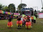 beberapa-anak-sedang-memperagakan-permainan-trasional-di-lapangan-kantor-kelurahan-kumpulrejo_20161230_165333.jpg
