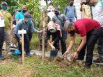 bupati-tegal-umi-azizah-saat-melakukan-penanaman-150-pohon-ketapang-kencana.jpg