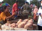 bupati-tiwi-sidak-pasar2.jpg