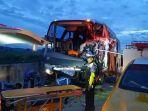 bus-pariwisata-rombongan-sma-muhammadiyah-1-gondangrejo-tabrakan-di-tol-madiun-ngawi.jpg