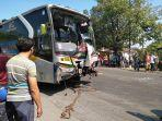 bus-sugeng-rahayu-sedang-dievakuasi-oleh-polres-sragen-kota-di-lampu-apill-pilangsari.jpg