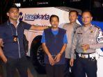 bus-transjakarta_20170726_223439.jpg