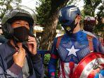captain-america-bagi-masker-di-kota-surakarta.jpg
