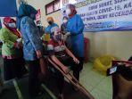 disabilitas-di-kecamatan-patikraja-banyumas-saat-mengikuti-vaksin-covid-19.jpg
