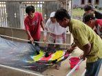 disabilitas-intelektual-membuat-batik-ciprat-di-desa-gumiwang-banjarnegara-5-10-2021.jpg