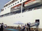 dua-kapal-pesiar-berbendera-bahama-singgah-di-tanjung-emas_20180309_112606.jpg