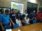 dua-pelajar-ditangkap-polisi-diduga-sebagai-pelaku-perampokan-driver-grab_20180123_104822.jpg
