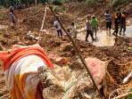 evakuasi-di-purworejo-jateng-korban-longsor_20160620_232505.jpg