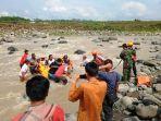 evakuasi-korban-hanyut-di-sungai-merawu-banjarnegara.jpg
