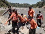 evakuasi-korban-tenggelam-di-sungai-serayu-banjarnegara-rabu-2142021.jpg