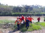 evakuasi-korban-terseret-arus-sungai-merawu-banjarnegara.jpg